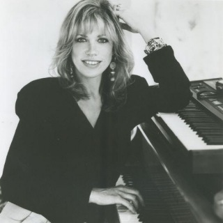 Nobody Does It Better - Carly Simon